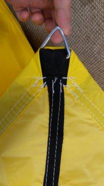 Posuvné zatienenie pieskovisk s nylonovou plachtou barva žltá alebo červená, zatienenie 100%